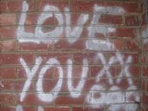 twilight walk home footscray graffiti love you xx ooo