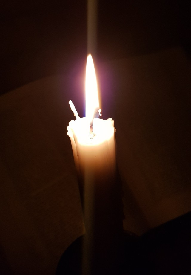 lit white candle maundy thursday itellyouarise